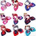 Ocupación con pequeños cuadrados azafata femenina de Corea impresión de Satén bufanda de regalo fábrica al por mayor