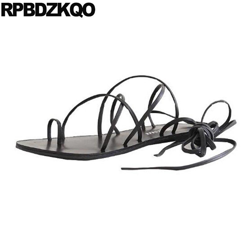 все цены на Brown Toe Ring Shoes Tie Up Strappy Flat Summer Gladiator Designer Roman Women 2018 Black Lace Ladies Strap Sandals Slingback