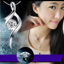 Female Lozenge Pendant Necklace for Women Vintage Silver Fashion Jewelry Natural Crystal Geometric Model