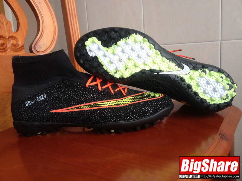 bc1800e1473 Free Shipping 2015 X CR7 IC Football Shoes indoor outdoor Soccer Shoes High  Ankle Cristiano Ronaldo Shoes Mens Soccer Boots-in Men s Costumes from  Novelty ...