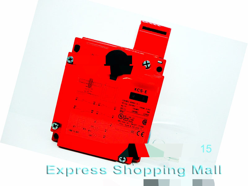New XCSE5311 safety switch 3pole 1NC + 2NO xcse7311 safety switch 3pole 2nc 1no new