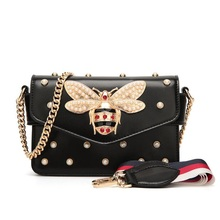 2019Brands Designer Women Fashion Luxury Pearl Bee Buckle Girl Shoulder Small ladies Leather Handbag Messenger Clutch Square Bag цена в Москве и Питере