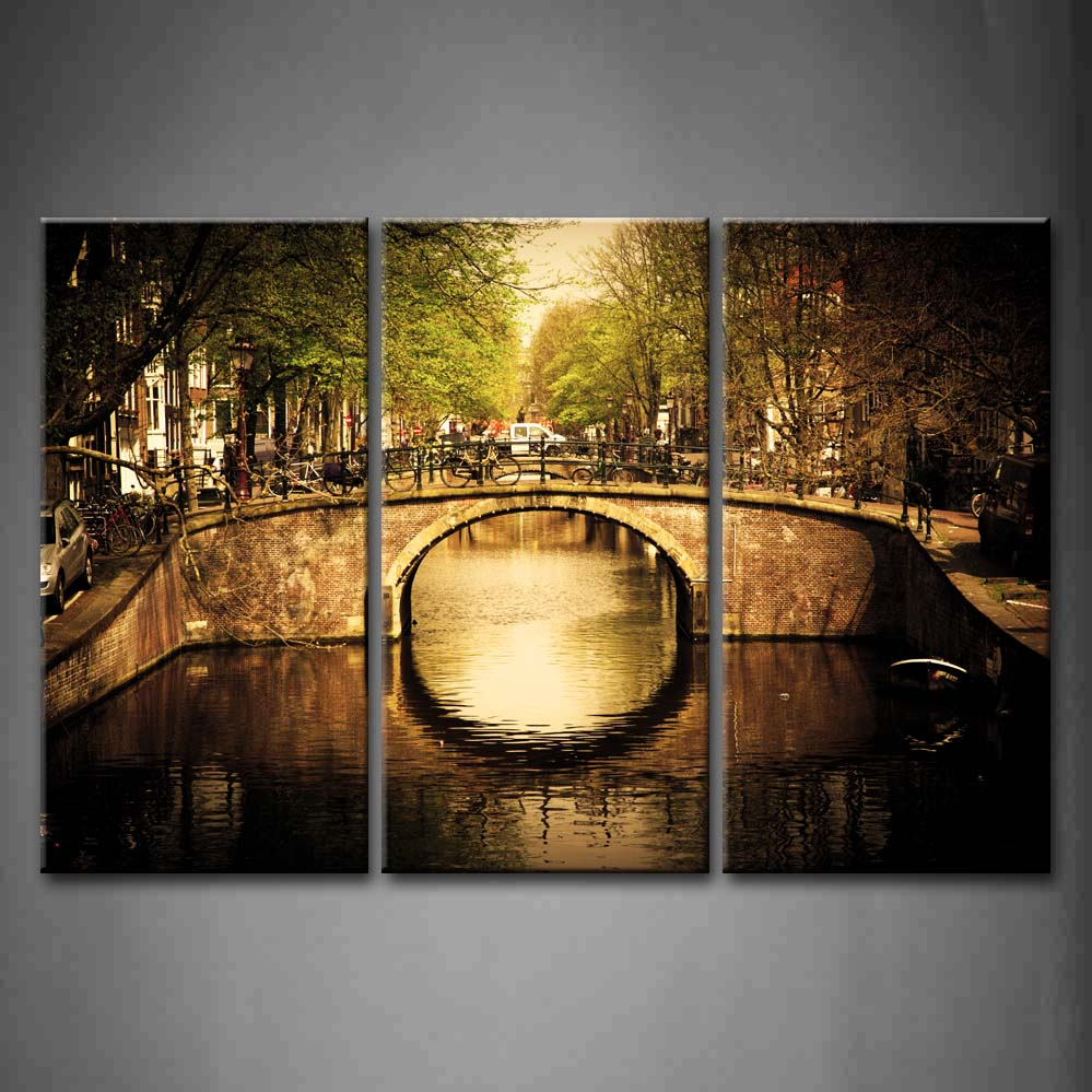 Framed Wall Art Pictures Bridge Town River Vehicle Canvas Print Architecture Posters With Wooden Frames For Living RoomFramed Wall Art Pictures Bridge Town River Vehicle Canvas Print Architecture Posters With Wooden Frames For Living Room