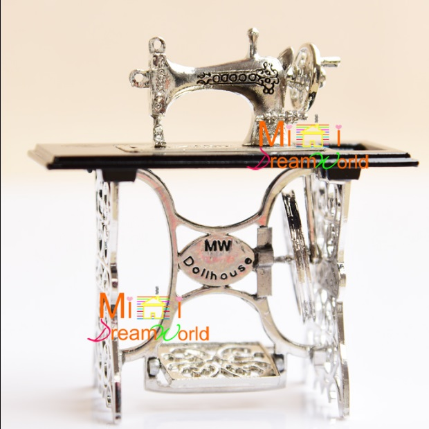 MINI Doll hou Mini Furniture Accessories Silver Black Metal Quality Sewing Machine Mini