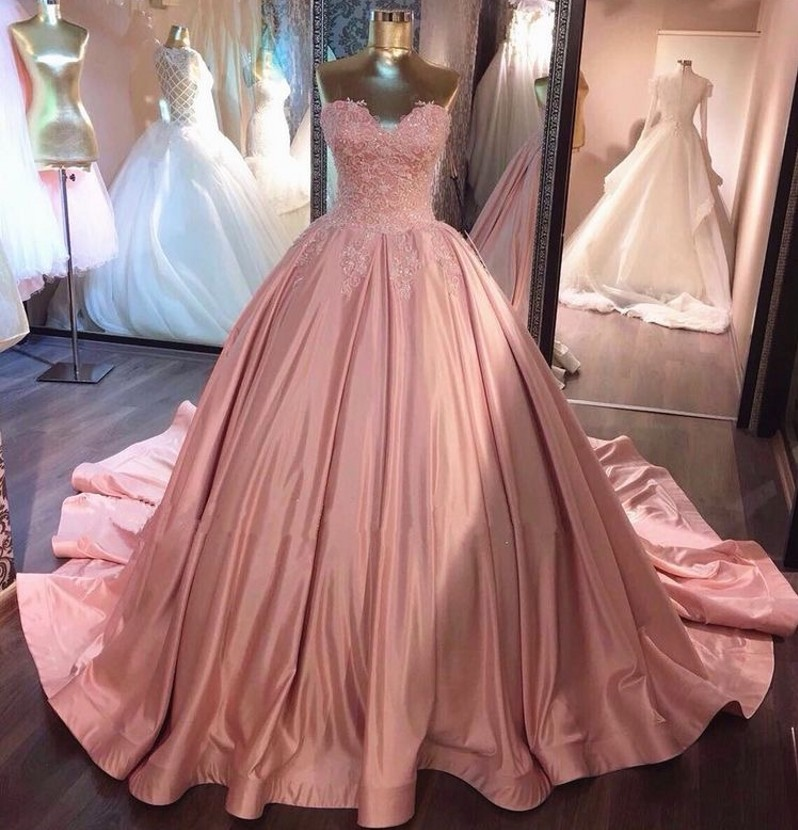 Luxury Sweetheart Sleeveless Lace Up Back Ball Gown Lace Applique Crystal Beaded Satin   Prom     Dresses   Long Party Gowns For   Prom