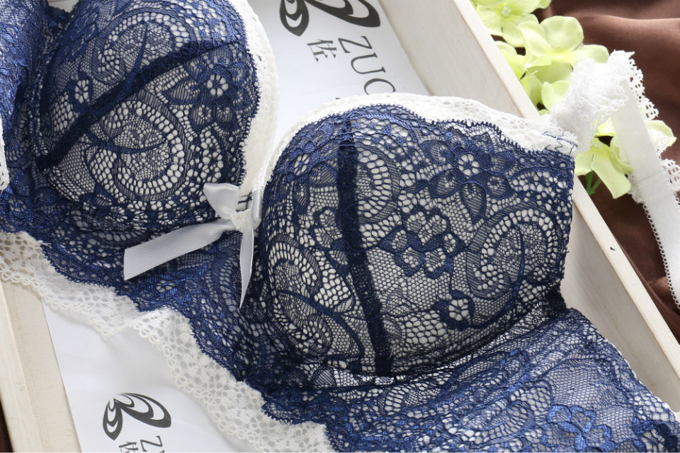 Japanese hot models comfortable lingerie set deep V sexy bra set push up breathable lace suit for women underwear set