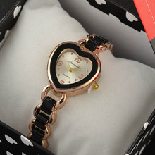 2017 Luxury Brand Bracelet Watches High Quality Shinning Upstart Steel Women Watches Love Heart Designer Ladies