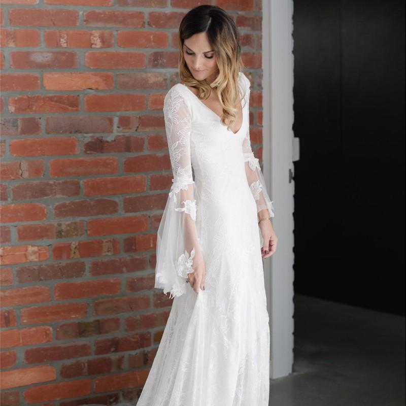 Bohemian Hippie Bridal Wedding Dress with Bell Sleeves Custom Size 0 2 4 6 8 10