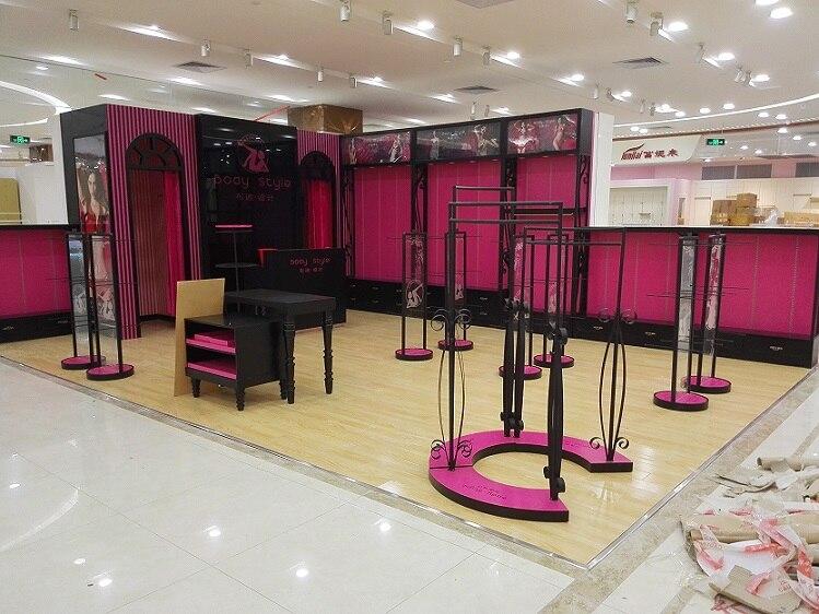 Clothing store display furniture