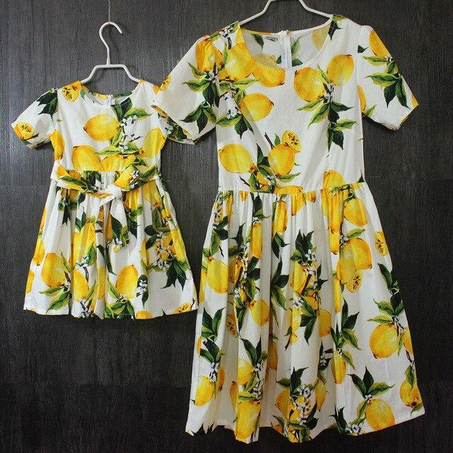 Марка Европейский Американский хлопок складки юбки детей матери и дочери печатает коротким рукавом платья дети девушки праздничное платье