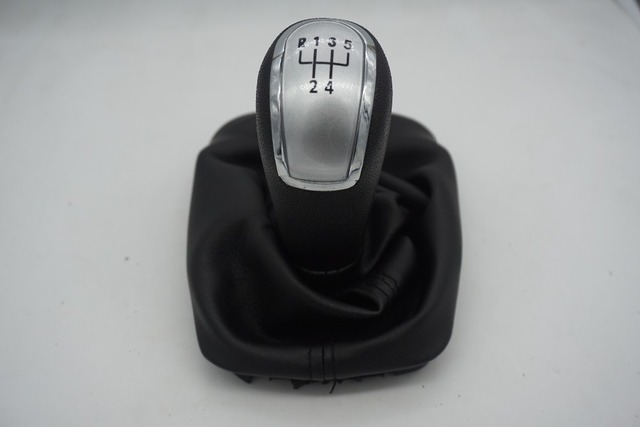 Free Shipping 5 Speed Car Gear Shift Knob With Black Boot For Skoda Fabia 2000 2001 2002 2003 2004 2005 2006 2007 2008 silver