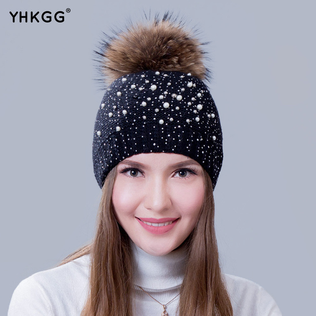 2016 with pearl drills very fashionable lady warm winter wool cap wool knitted cap cap with the bulb Raccoon Fur Pom Pom Hat