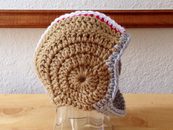 Free shipping Crocheted Newborn Football Helmet hat baby Photography Prop Baby hat