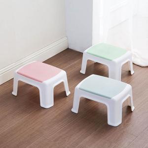 Image 3 - 3 色 4 脚キッズ厚みプラスチック小さなスツールリビングルーム大人変更靴ベンチ浴室の子低ベンチ赤ちゃん学習スツール