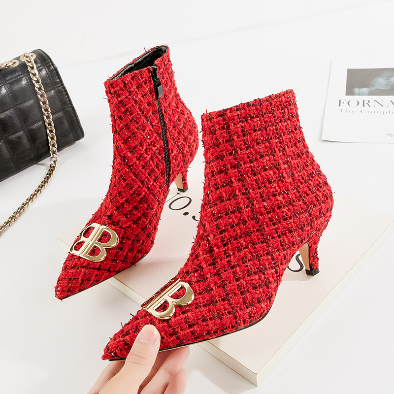 9bfe79f59f2c Sexy Pointed Toe Kitten Heel Plaid Boots Women Autumn Shoes 2018 Zipper  Medium Heel Ankle Boots Fashion Office Party Shoe-in Ankle Boots from Shoes  on ...
