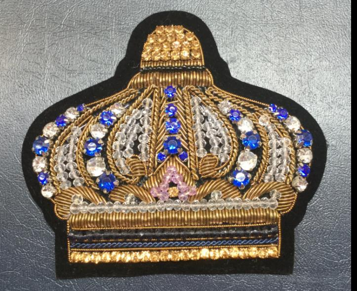 Couronne strass brodé Patch broche indien fil de soie à la main brodé Badge tissu Patch mode vêtements bricolage artisanat