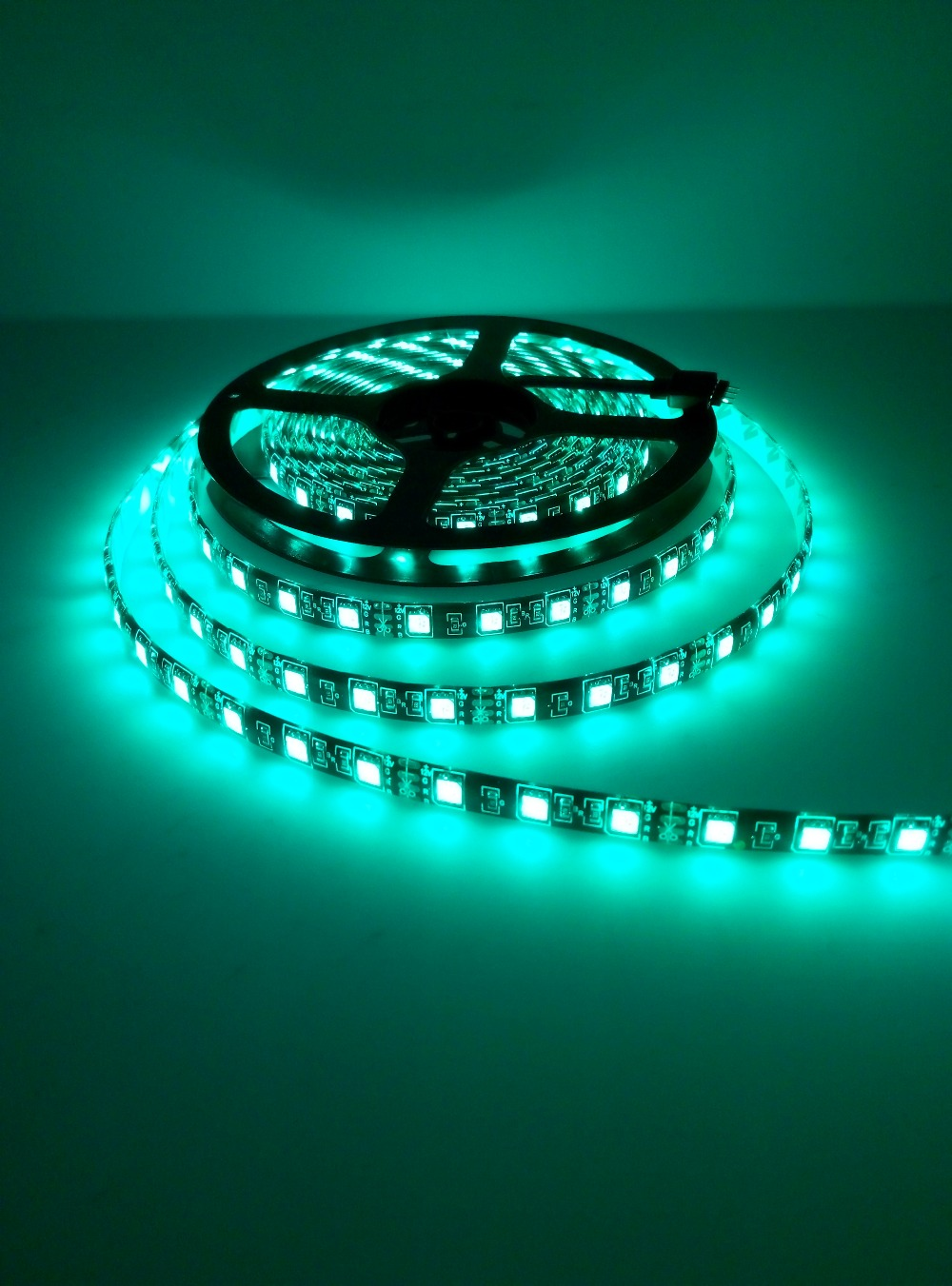 Tira de LED 5050 RGB PCB negro DC12V Luz LED flexible 60 LED / m5050 - Iluminación LED - foto 5