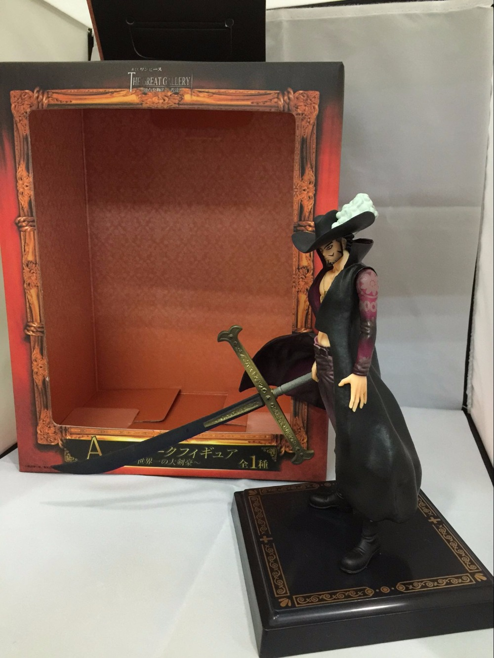 Free Shipping 8 One Piece Anime Shichibukai Dracule Mihawk Hawk Eye Prize A 2nd Ver. Boxed 20cm PVC Action Figure Model Doll anime one piece dracule mihawk pvc action figures collection model kids toys doll 20cm