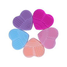 1Pcs Heart Shape Silica Glove Scrubber Brush Silicone Cleaner Cosmetic Cleaning Tools Beauty Makeup Brushes Cleanser Mat