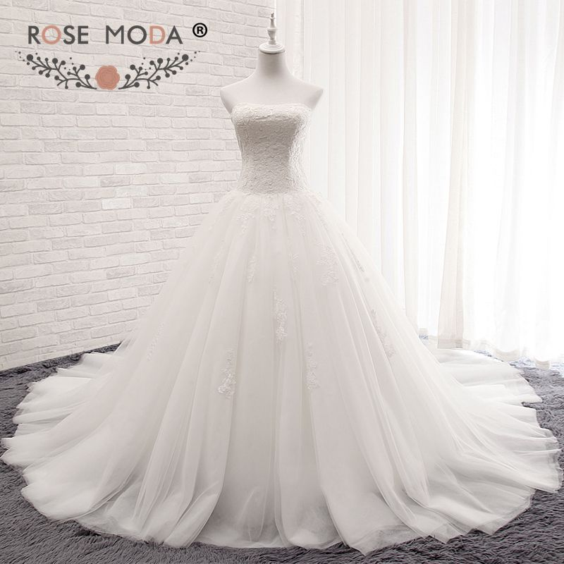 Rose Moda Strapless Plus Size Ball Gown Princess Puffy Lace Wedding Dress Corset Back Arabic Wedding Gowns 2018