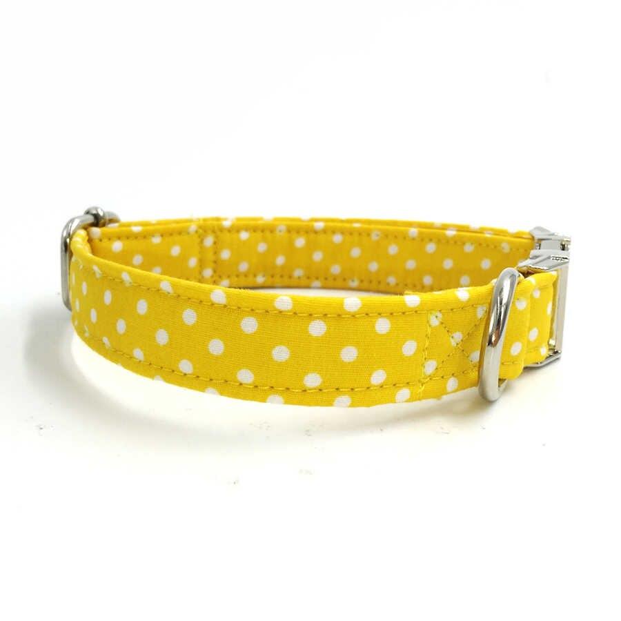 الأصفر طوق بكلاب مع ربطة القوس فيونكة شخصية مخصصة الحيوانات الأليفة جرو مصمم المنتج الكلب والقطة قلادة المجوهرات بالجملة XS-XL