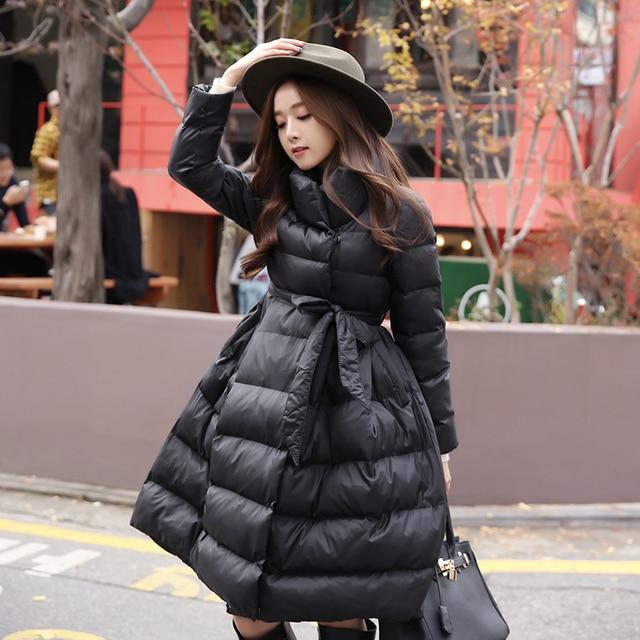 НОВЫЙ 2016 зимняя мода женщины Пальто средней длины хлопка-ватник Толщиной шнуровкой талия Большой Хем Куртка Шинель