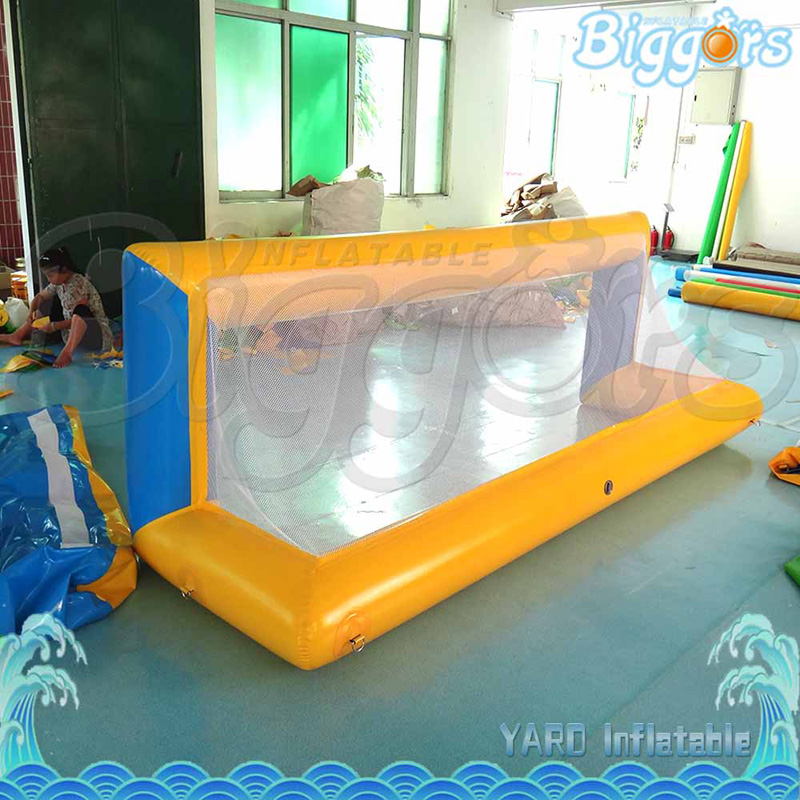 Durable PVC Material Inflatable Small Football Door Soccer Goal for Swimming Pool Or Outdoor beach toys for kids soccer target inflatable football goal target soccer training equipment made in china