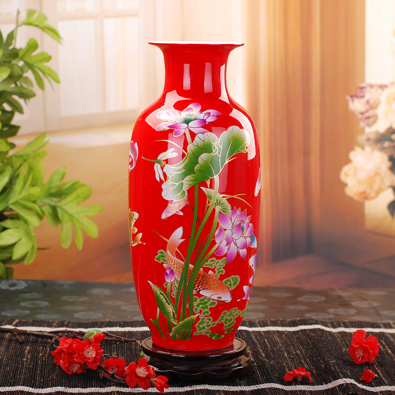 Is Chinese red gilt lotus Ceramic vase home crafts ornaments wedding gift Ringling Tao TaoIs Chinese red gilt lotus Ceramic vase home crafts ornaments wedding gift Ringling Tao Tao