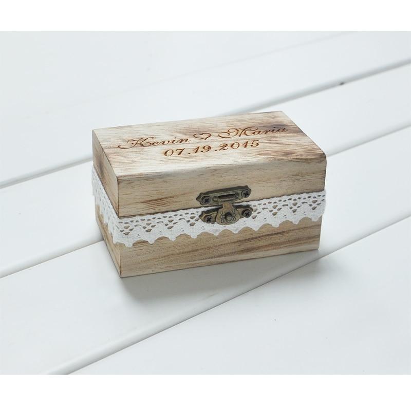 Regalo personalizzato Rustico Anello Nuziale Al Portatore Box Personalizzato Vostri Nomi e la Data Incidere Legno Wedding Ring Box