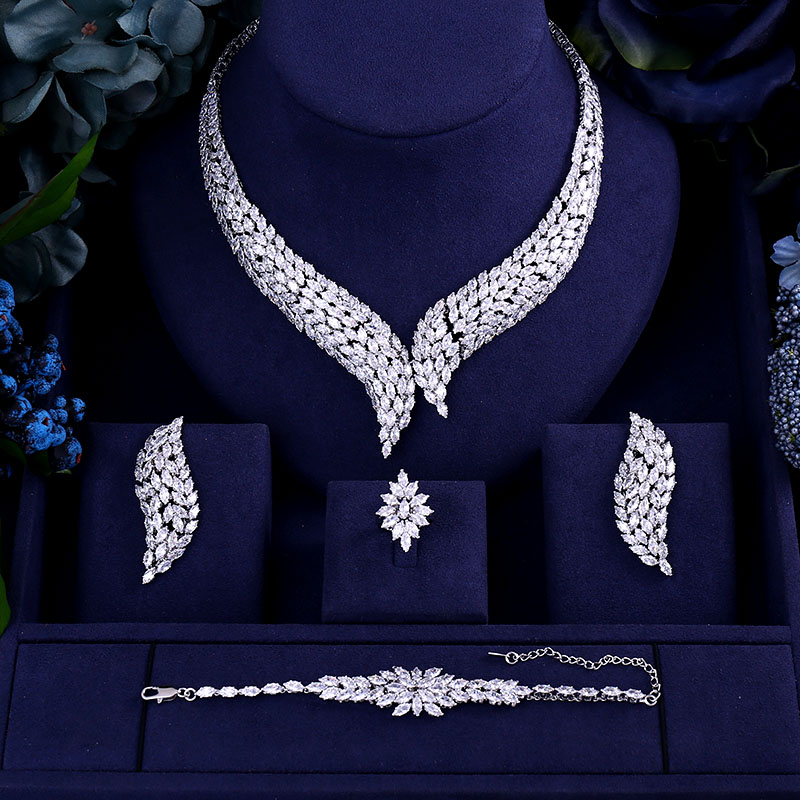 Luxury AAA cubic zirconia heavy necklace ,drop earrings ,bracelet and ring 4pcs dubai full wedding bridal jewelry set for woman 4pcs bridal fashion flower cubic zirconia inlaid wedding necklace dangle earrings bracelet ring jewelry set boucle d oreille