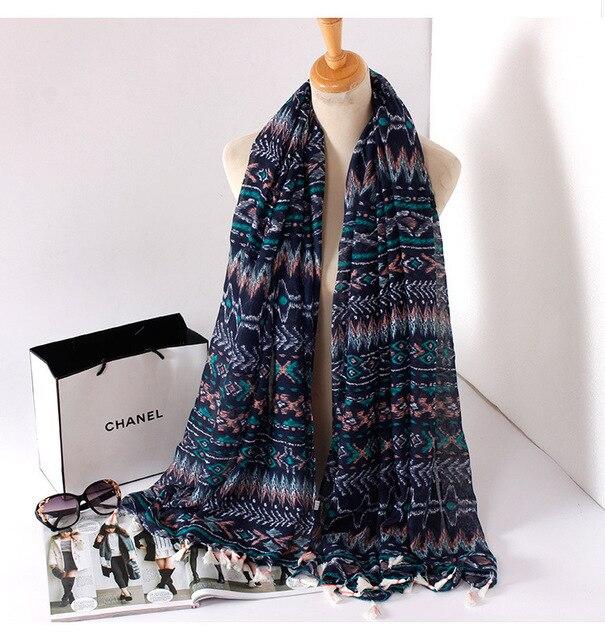 Vente chaude haute qualité Ethniques Fusion couleurs glands écharpe femmes  à la mode châles foulards  9adbb01801e