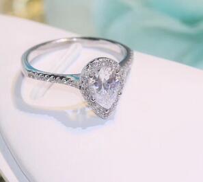 T600 flash 925 de plata esterlina anillo de 5A de circón con bolsa de polvo y caja
