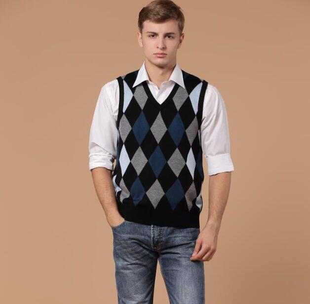 b817bb9505818 جودة عالية الخريف الرجال الأزياء ثقافاتنا عارضة سترة برقبة على شكل v سترة  الذكور أكمام رداء علوي من الصوف البلوز