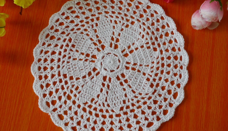 Handmade hook flowers cotton Lace Chic / hollow round decorative mat coasters cup pads / Europe Classic style Diameter 20cm