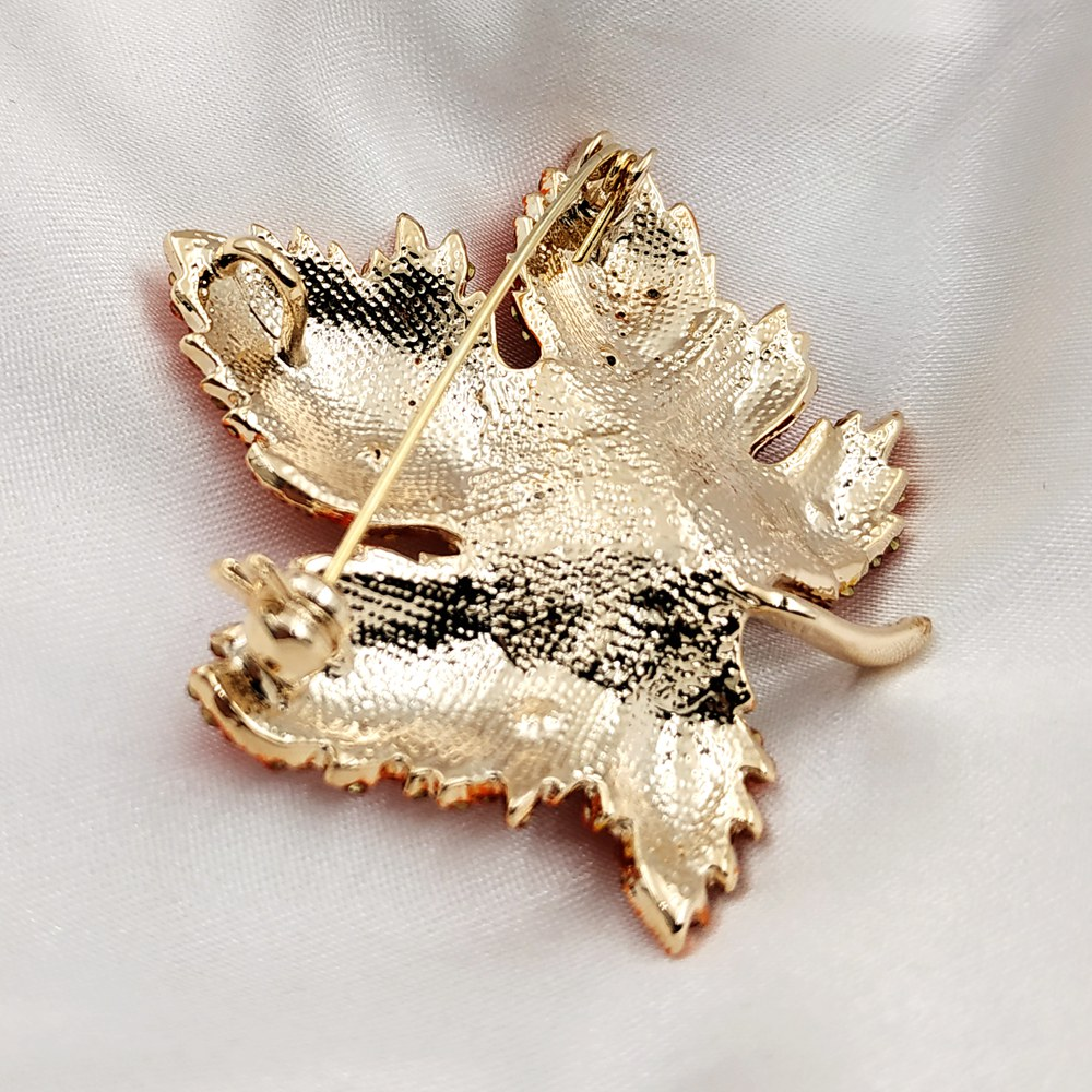 Image 5 - Vintage Stylish Full Micro Pave Yellow Orange Red Crystal Big Maple Leaf Brooch Gold Tone Canadian Maple Leaf Pin Autumn Jewelry-in Brooches from Jewelry & Accessories