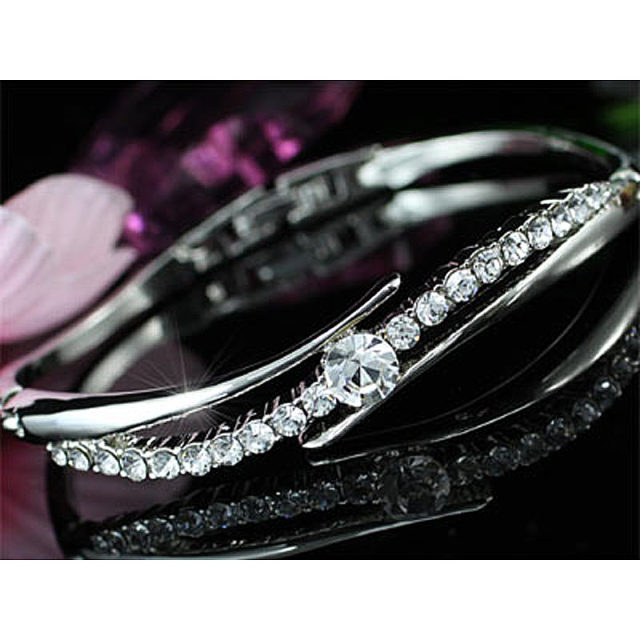High Quality Sparkling Austrian Crystal Silver Color Bangle Bracelet CSB090