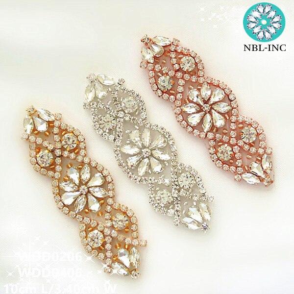 (30 sztuk) suknia ślubna srebrny kryształ Rhinestone aplikacja łatka złota dla nowożeńców aplikacja z koralikami żelazko na sukni ślubnej WDD0206 w Kryształy górskie od Dom i ogród na  Grupa 1