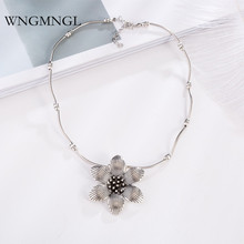 WNGMNGL New Vintage Ethnic Antique Sliver Color Geometric Flower Pendant Necklace For Women 2018 Charm Sweater Fashion Jewelry