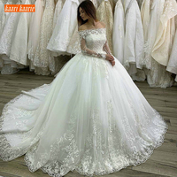 Luxury castle princess Ball Gown White Wedding Dresses Long Sleeve Lace Applique Boat Neck Bridal Dress Customized Wedding Gowns