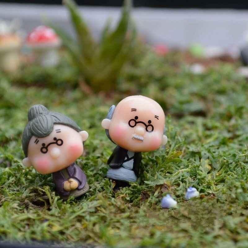 2Pcs Cute Miniature Old Granny Grandpa Christmas Resin Fairy Home Garden Craft Decor Ornament Garden Car Decoration