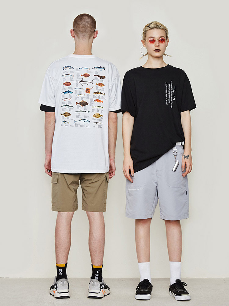 Motif poisson de mer profonde personnalité lettres anglaises lâche coton noir et blanc T-shirt à manches courtes homme