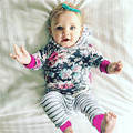 2016 Outono Inverno 2 pcs Conjuntos de Roupas de Recém-nascidos Da Criança Do Bebê Dos Miúdos Da Menina roxo Floral Casaco Com Capuz Tops + Calças Compridas Outfits Conjuntos