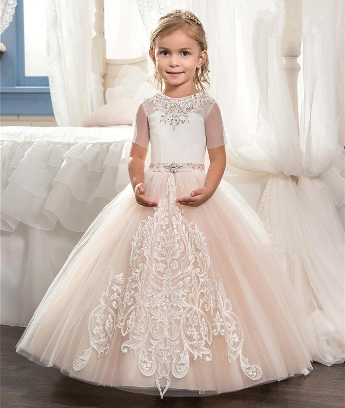 2017 Lovely Ball Gown Flower Girl Dresses For Wedding Lace Appliques Short Sleeve Child First Communion Dresses White Ivory