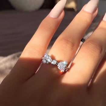 distribuidor mayorista 6061c 9b69c Anillos de piedra de circonita con moño de plata bonito para mujer joyería  de fiesta de compromiso de boda de moda 2019