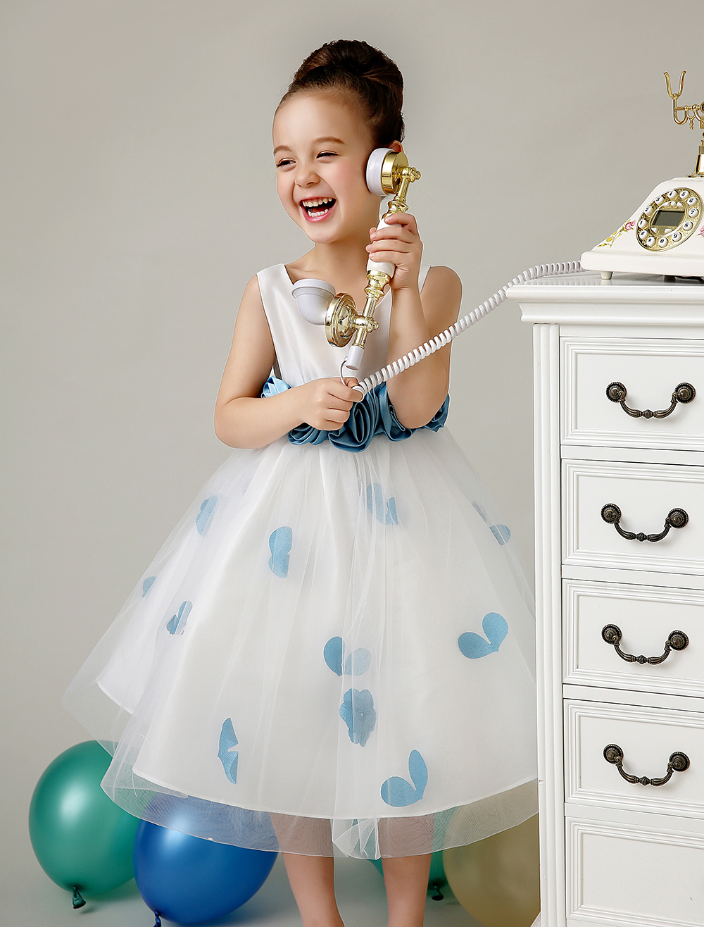 Tulle A line ivory little Girls Dresses with Bright blue sash wedding flower girls dresess kids