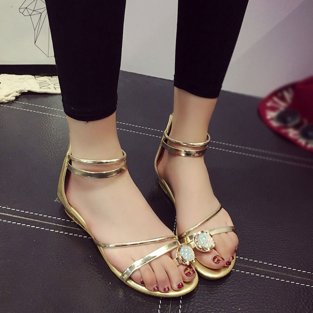 86a692fe0 2017 Summer Fashion Women Sandals Korean style Flat heel Student Casual  Beach shoes Gold and Silver colors