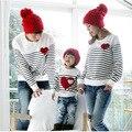 2017 Семья Соответствующие Наряды Весна мама/папа/детская одежда, мама и дочь полосатый с длинными рукавами Хлопок Футболки Family Pack