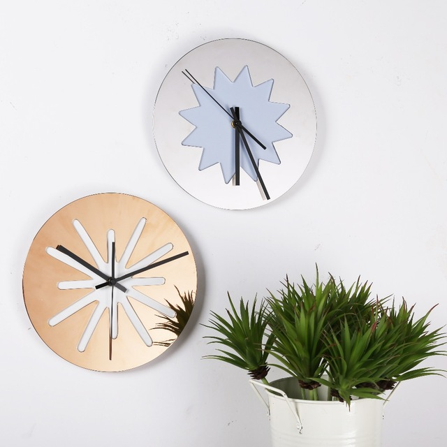 Hot Selling Modern and Brief Metal Circle Needle Clock Gold and Black Mechanical Wall Clock Home Decor Accessories