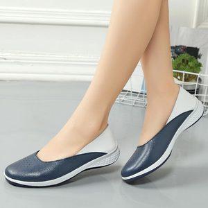Image 5 - Mocassins en cuir pour femmes, chaussures plates découpées, soins infirmiers, collection 2020, printemps chaussures plates