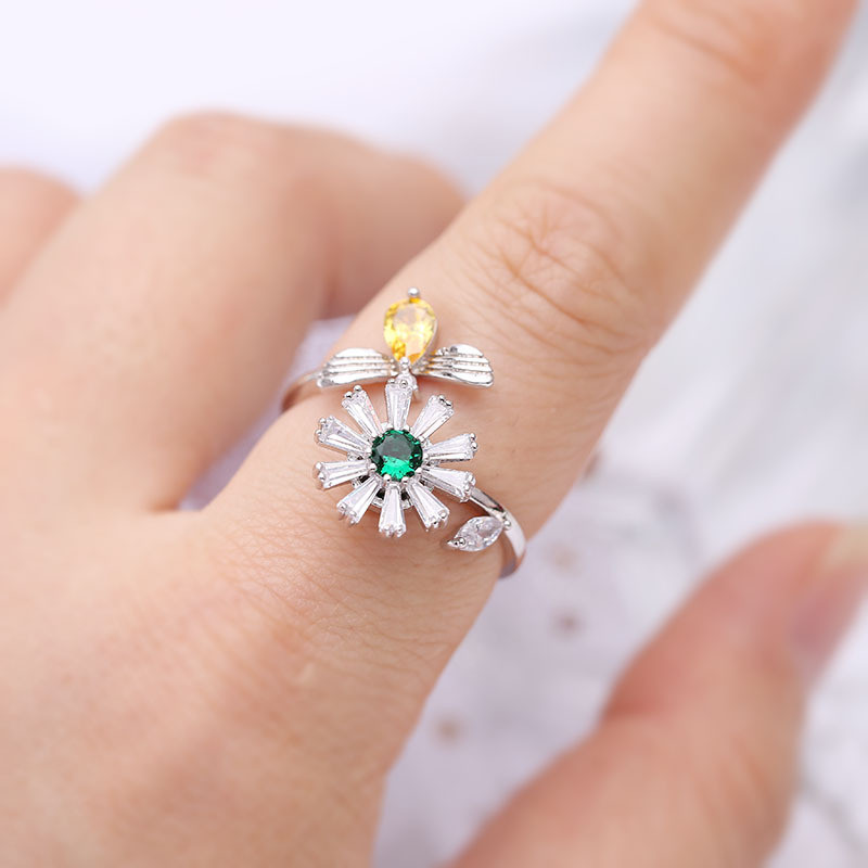 New Daisies Bees Rotate Rings Yellow Crystal Green Cubic Zirconia Rings For Women Adjustable Finger Ring Female Weddings Jewelry in Engagement Rings from Jewelry Accessories